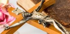 Carregar a Cruz é sinal de morte?