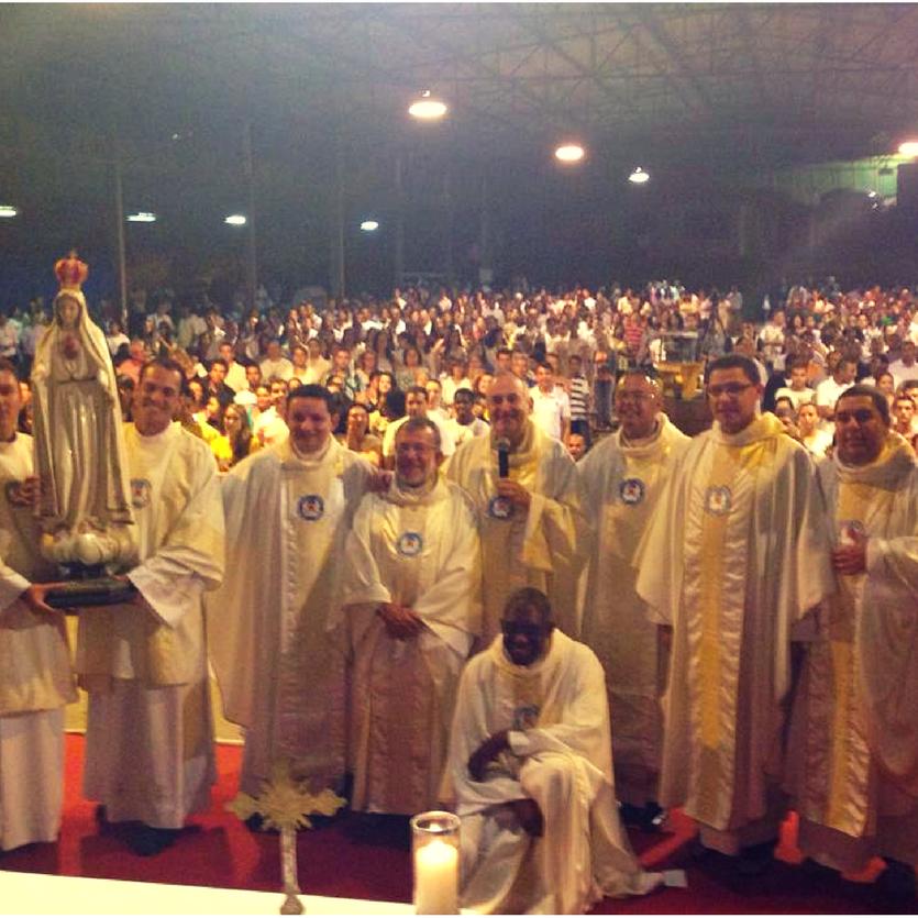 Fotos com todos os padres da Aliança e Membros do Movimento.