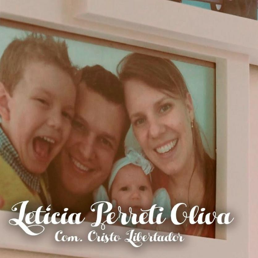 Foto da família de Letícia Perreti
