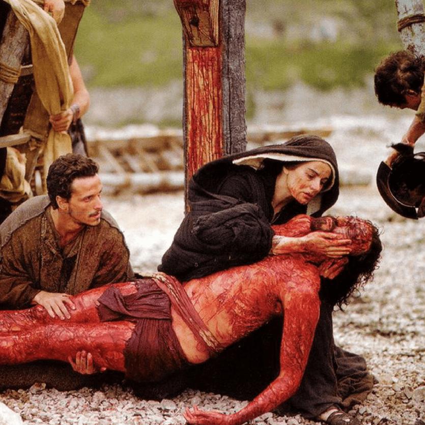 nossa senhora com jesus morto