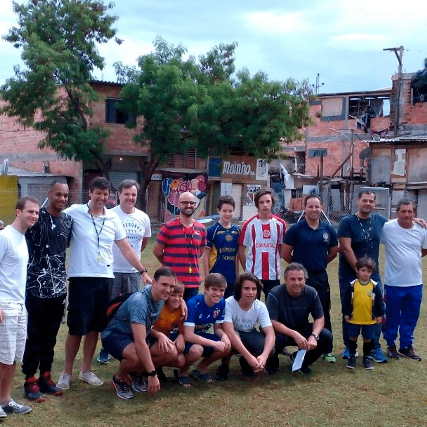 Colaboradores que ajudaram na construção do Campinho do Moinho