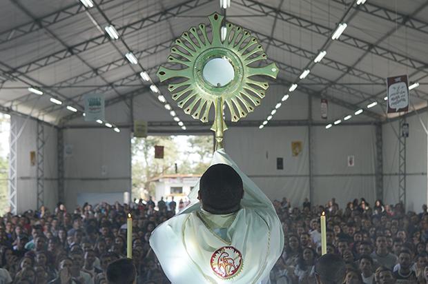 Congresso Jovem inicia com chamado ao Reino de Deus 798adf1338870