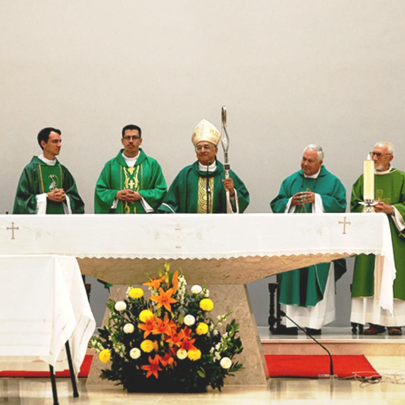 padres no altar