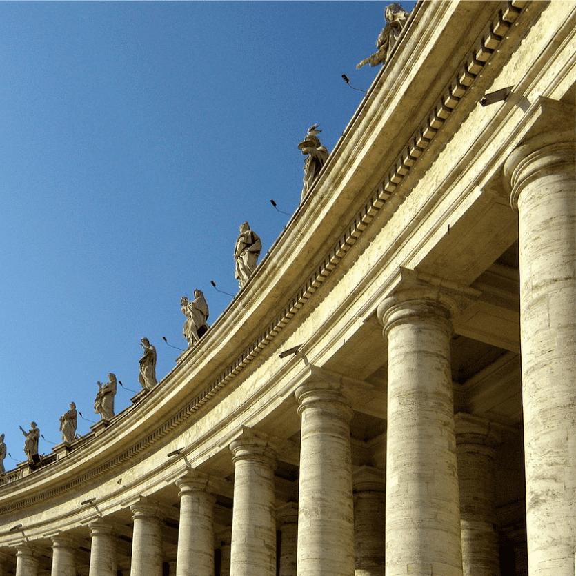 Detalhe das pilastras da Praça de São Pedro