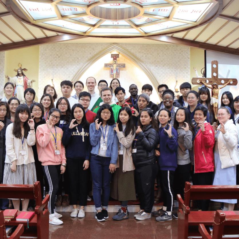 Jovens no Thalita Kum em Taiwan