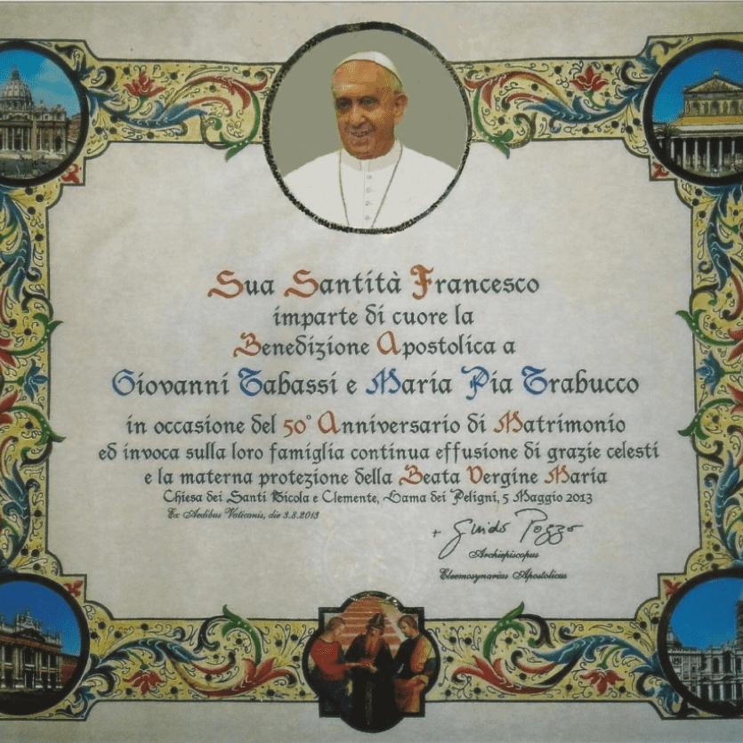 Imagem de um pergaminho com a bênção apostólica